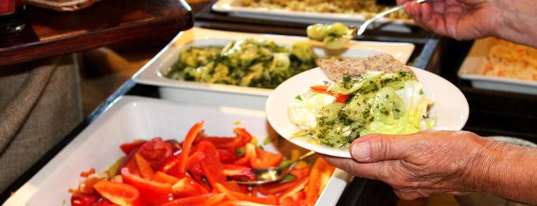 209787-bistron-dagens-lunch-salladsbord-mauritzberg.jpg